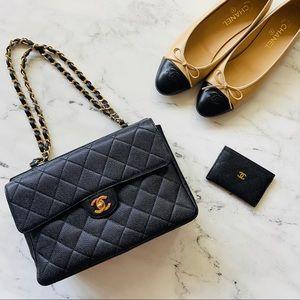 CHANEL Black Caviar 💎 Jumbo Quilted Flap Bag Zip